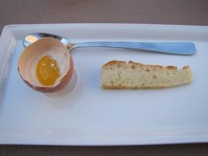 Spuma d'uovo al Marsala alla coque con confettura d'arancia